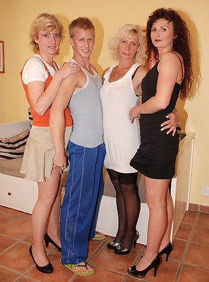 Free MILF Reverse Gangbang Porn Pictures