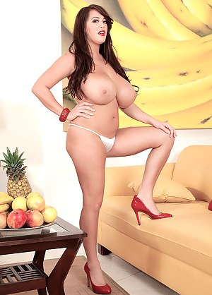 Free MILF Food Porn Pictures