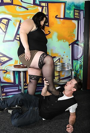 Free MILF Femdom Porn Pictures