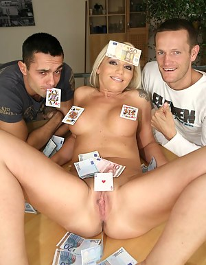 Free MILF Money Porn Pictures